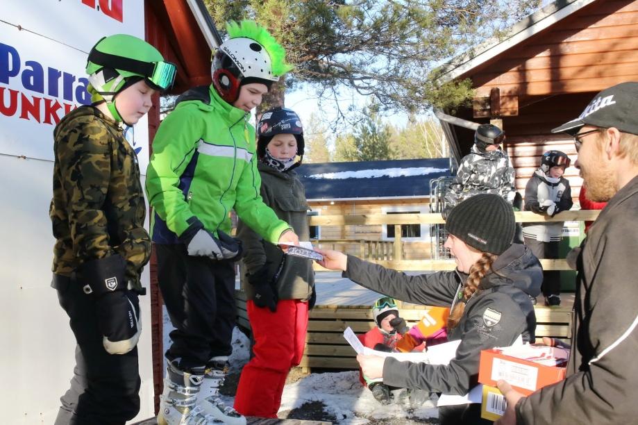 Snowpark_Parra_Parra-Jib2019_7_1440